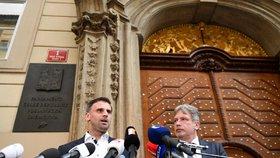 Zástupci ČSSD a hnutí ANO jednali v Praze o koaliční vládě. Na snímku Jiří Zimola (vlevo) a Roman Onderka (25. dubna 2018)