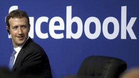 Mark Zuckerberg hasil problémy Facebooku už v minulosti