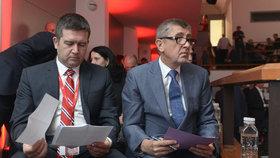 Jan Hamáček (ČSSD) a Andrej Babiš (ANO) společně na sjezdu ČMKOS (27.4.2018)