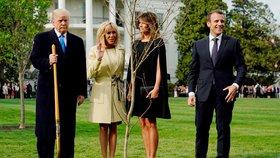 První dáma Francie Brigitte s manželem, prezidentem Emmanuelem Macronem, americkým prezidentem Donaldem Trumpem a jeho manželkou Melanií.