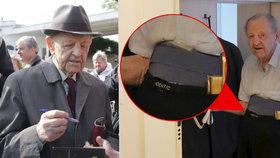 Miloš Jakeš (95) trávil tentokrát 1. máj doma obepnutý bederním pásem.