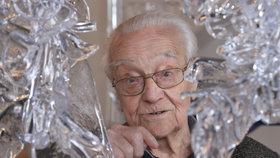 Zemřel významný sklářský výtvarník René Roubíček.