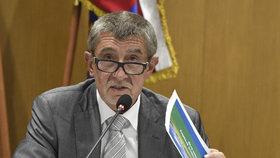 Předseda hnutí ANO Andrej Babiš považuje navrženou koaliční smlouvu s ČSSD za přijatelný kompromis. Nyní bude na sociální demokracii, zda se ve vnitrostranickém referendu rozhodne do vlády vstoupit, nebo ne