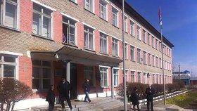 V sibiřské škole se střílelo. Tři studenti byli zraněni, střelec spáchal sebevraždu