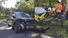 Policista vezl v autě batole a boural: Zemřela mladá žena