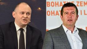 Michal Hašek i Jan Hamáček přesvědčují členy ČSSD, aby byli v referendu pro vládu s ANO.