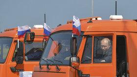 Provoz Krymského mostu zahájil slavnostní jízdou ruský prezident Vladimir Putin.