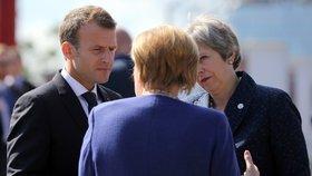 Silná trojka. Na summitu v Sofii spolu jednali a diskutovali britská premiérka Theresa Mayová, německá kancléřka Angela Merkelová a francouzský prezident Macron.