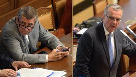 Premiér v demisi Andrej Babiš (ANO) a šéf poslanců TOP 09 Miroslav Kalousek ve Sněmovně