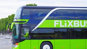 FlixBus jezdí podle Jančury za podnákladové ceny.
