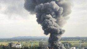 Německý zábavní park Europa-Park zasáhl požár. Hasiči s ním bojovali několik hodin