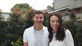 Novozélandská premiérka Jacinda Ardernová s partnerem Clarkem Gayfordem.