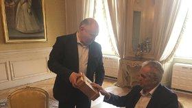 Michal Hašek je oficiální poradce prezidenta Miloše Zemana. Od prezidentova znovuzvolení se potkali v Lánech poprvé mezi čtyřma očima.