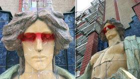 Vandal pomaloval sochu na královéhradeckém muzeu