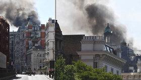 V Londýně hoří hotel Mandarin Oriental.