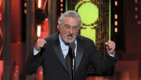 Do Trumpa se zostra pustil herec Robert De Niro