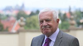 """Václav Klaus prý prošel proměnou. """"Jako ministr financí byl Václav Klaus můj politický protivník, jako premiér, to už se to lámalo, a jako prezident to byl jeden z nejlepších prezidentů, které tato země měla,"""" tvrdí Bartončík."""