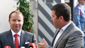 Miroslav Poche a Jan Hamáček (oba ČSSD) jednali v Lánech s prezidentem Zemanem. (22.6.2018)