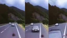 Při nehodě na Děčínsku zahynul řidič osobáku. Vjel do protisměru a čelně se střetl s kamionem.