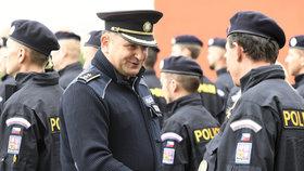 Policejní prezident Tuhý končí na policii, půjde na velvyslanectví v Bratislavě.