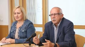 Zástupce ombudsmanky Stanislav Křeček se domnívá, že by za restitucemi měla být udělána tlustá čára.