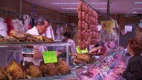 Řezníci ve Francii požadují po vládě ochranu před vegany.