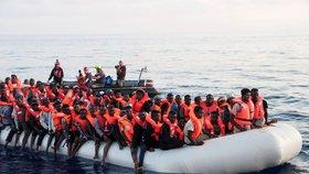 Tunisko přijme 40 zachráněných migrantů, včetně dvou těhotných žen: Na lodi čekali dva týdny (ilustrační foto)