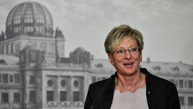 Marta Nováková - ministryně průmyslu a obchodu