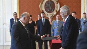 Prezident Miloš Zeman jmenoval 27. června 2018 na Pražském hradě Petra Krčála (ČSSD) ministrem práce a sociálních věcí nové vlády ANO a ČSSD. 18. července přijal jeho demisi