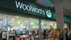 K napadení pokladní, protože nedala zákazníkovi plastový pytlík, došlo v australském supermarketu Woolworths (ilustrační foto)