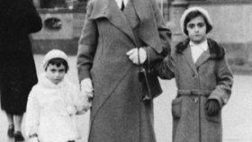 Anna Franková s matkou a sestrou v roce 1933