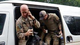 U thajské jeskyně pomáhá i armáda USA.