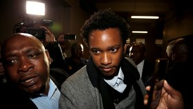 Třiatřicetiletý Duduzane Zuma přiletěl do Jihoafrické republiky minulý týden z Dubaje