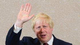 Britský ministr zahraničí Boris Johnson podal demisi kvůli neshodám ve vládě kolem plánu odchodu země z Evropské unie.