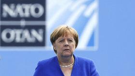 Angela Merkelová před summitem NATO v Bruselu