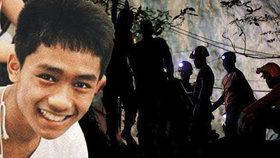 Záchranářům pomohl z jeskyně 14letý Adul, který umí skvěle anglicky.
