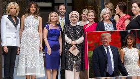 Melania Trumpová ve společnosti manželek a manželů lídrů NATO.