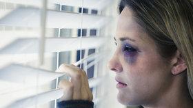 Obětem domácího násilí by mohli pomáhat i poštovní doručovatelé (ilustrační foto)