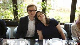 Kandidátka na ministryni páce a sociálních věcí Jana Maláčová s manželem - státním tajemníkem pro evropské záležitosti Alešem Chmelařem (ČSSD)