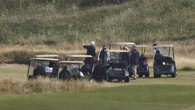 Do Skotska jezdí americký prezident Donald Trump jen na golf. Za rodinou jen zřídka.