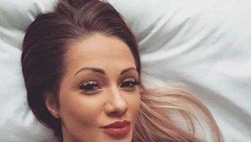 Agniezsku Gizaovou (23) našli mrtvou dva dělníci. V domě zůstala s tříletou dcerou