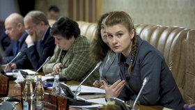 Ruska Marija Butinová, která je v USA zadržená kvůli podezření z nezákonného lobbování, nenabízela sexuální služby výměnou za přístup k informacím.