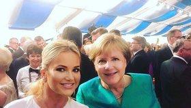 Manželka českého premiéra Monika Babišová a její fotka s německou kancléřkou Angelou Merkelovou. Potkaly ve v Bavorsku na hudebních slavnostech (25.7.2018).