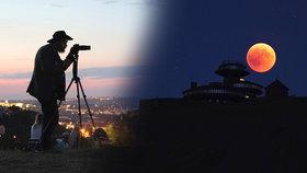Zatmění Měsíce zaujalo v Česku i ve světe