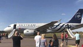 České letadlo museli v Helsinkách evakuovat kvůli kouři. (3.8.2018)