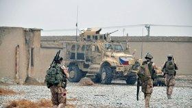 Tři čeští vojáci zahynuli při útoku sebevražedného atentátníka v Afghánistánu. Na archivním snímku z 29. ledna 2018 jsou čeští vojáci na základně Bagrám.