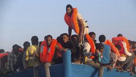 Itálie přijala od roku 2014 přes 650 000 migrantů.