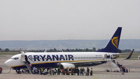 Ryanair ruší dalších 250 pátečních letů kvůli stávce v Německu.