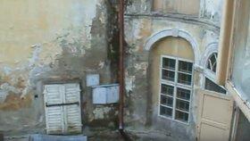 Takhle vypadal zámek v Osečanech před zhruba 10 lety