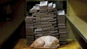 Venezuelu svírá hospodářská krize, lidé nemají ani na základní potraviny a další nutnosti.